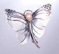 Motyl Z Perłą